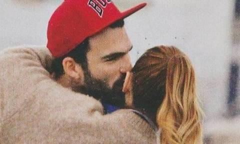 Το φιλί που βάζει φωτιά στις φήμες