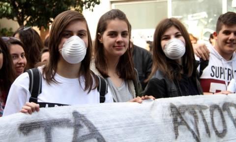 Ηλεία: Κλείνουν τα σχολεία σε Πύργο και Ολυμπία λόγω των σκουπιδιών