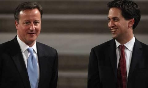 Βρετανία: Μεγάλο ντέρμπι μεταξύ Εργατικών και Συντηρητικών καταγράφει νέα δημοσκόπηση