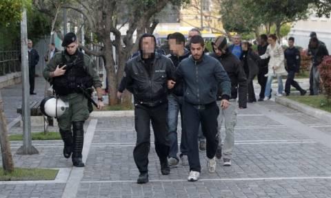 Στην Ευελπίδων οι 14 συλληφθέντες από την εκκένωση της Πρυτανείας