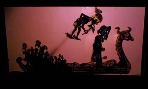 Οι Κυνικοί στον Άδη με τον Δημήτρη Μικιό στο Κουκλοθέατρο Μαιρηβή