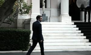 Αναβρασμός στην κυβέρνηση για το μεταναστευτικό – Επαφές Τσίπρα με υπουργούς