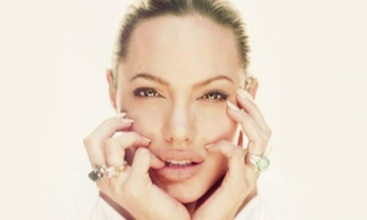 Να ανησυχήσουμε; Η εικόνα της Angelina Jolie σοκάρει και όχι για τα κιλά της