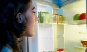 Βραδινά σνακ & καρκίνος μαστού: Τι πρέπει να γνωρίζουν οι γυναίκες