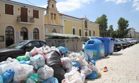 Πύργος: Άρχισε η αποκομιδή των σκουπιδιών