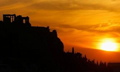 Handelsblatt: «Αχτίδα ελπίδας για την Ελλάδα»