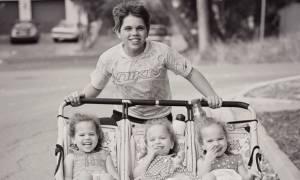 Τριπλή ευτυχία: Αφού είχαν 3 αγόρια, ο Θεός τους ευλόγησε με τρίδυμες κόρες!