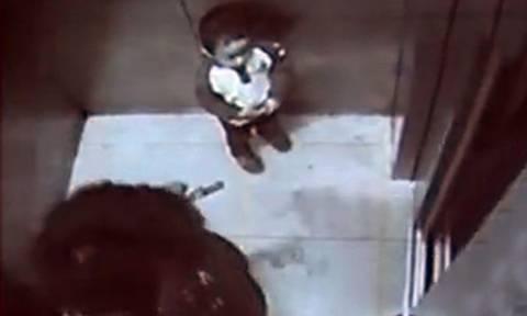 Κίνα: Ο 2χρονος γιος της την έσπρωξε στο... θάνατο! (video)