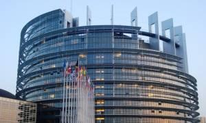 ΕΕ: Στον ορίζοντα το ενδεχόμενο στρατιωτικής επιχείρησης για το μεταναστευτικό