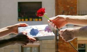 Παγκόσμια Ημέρα Βιβλίου: Στη Βαρκελώνη γιορτάζουν αλλιώς (video)