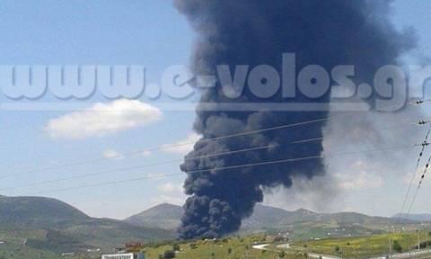 Ένας νεκρός κι ένας βαριά τραυματισμένος από την έκρηξη σε εργοστάσιο του Βόλου