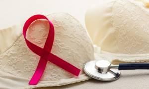 Καρκίνος του μαστού: Ποιες είναι οι πρώτες ενδείξεις