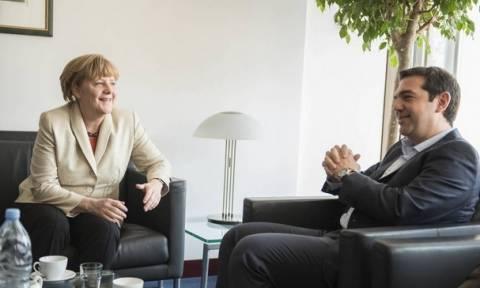 Τι γράφουν τα διεθνή ΜΜΕ για τη συνάντηση Τσίπρα - Μέρκελ