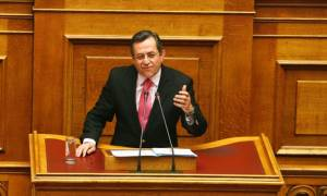 Νικολόπουλος: Γιατί οι καναλάρχες έκοψαν τον Παππά, οέο;