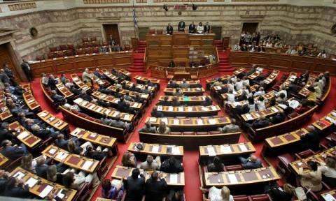 Βουλή: Σε υψηλούς τόνους η συζήτηση για την ΠΝΠ
