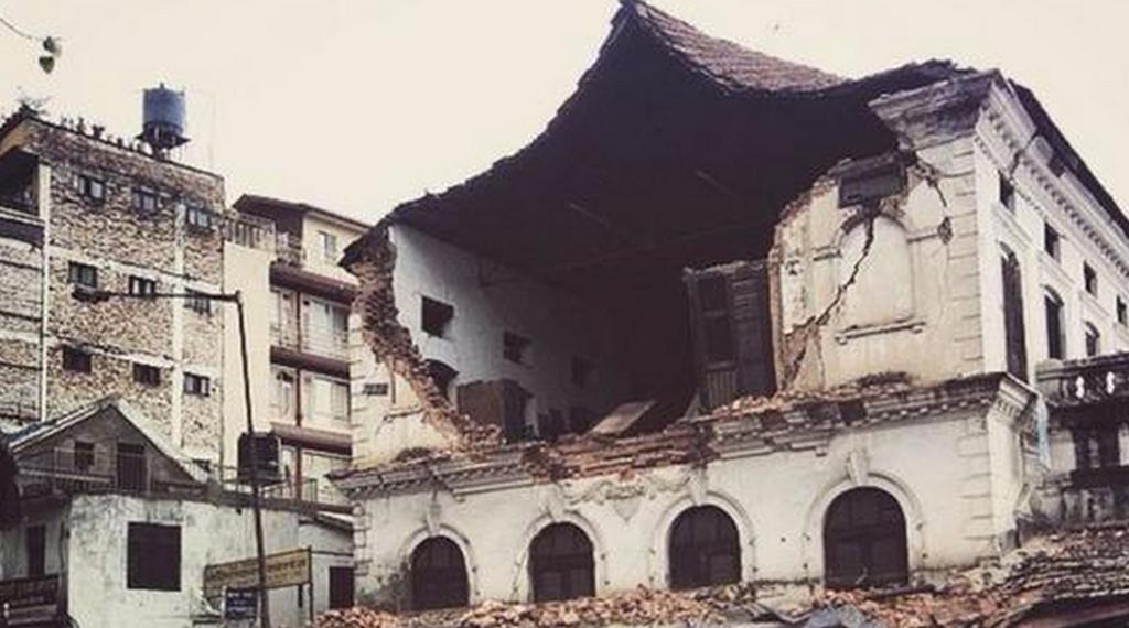Νεπάλ: Βιβλική καταστροφή από τα 7,9R-Εκατοντάδες οι νεκροί και οι εγκλωβισμένοι