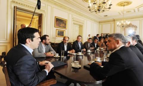 Εγγυήσεις Τσίπρα για άμεση «απελευθέρωση» των αποθεματικών