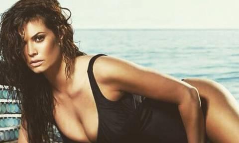 Νέα σέξι φωτογράφηση της Μαρίας Κορινθίου