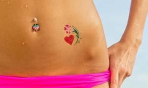 Πώς θα φροντίσετε το δέρμα σας το καλοκαίρι αν έχετε τατουάζ