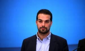 Σακελλαρίδης: Η κυβέρνηση στηρίζει τον Βαρουφάκη στις επιθέσεις που δέχεται