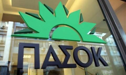 Το ΠΑΣΟΚ κατακρίνει την αλλαγή της διαπραγματευτικής ομάδας