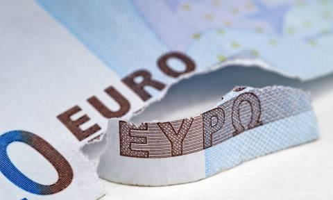 Reuters: Στο 40% η πιθανότητα εξόδου της Ελλάδας από την ευρωζώνη