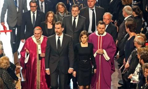 Τελετή στη Σαγράδα Φαμίλια στη μνήμη των θυμάτων του Airbus A320 (video)