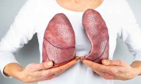 Καρκίνος του πνεύμονα: Ποιες είναι οι πρώτες ενδείξεις