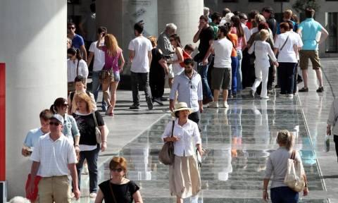 Βρετανία: Διαψεύδεται το δημοσίευμα περί ταξιδιωτικής οδηγίας για την Ελλάδα