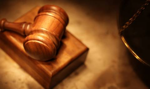 Ελεύθερος με όρους ο κατηγορούμενος για σωματεμπορία ιδιοκτήτης φούρνων