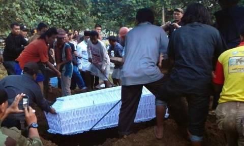 Ινδονησία: Τραγουδούσαν ύμνους και είχαν ανοιχτά μάτια κατά την εκτέλεση