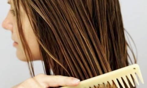 Ξεμπερδέψτε τα μαλλιά σας στο πι και φι με αυτούς τους 2 τρόπους!