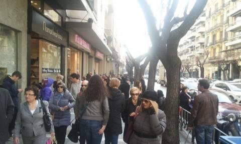 ΕΣΘ: Να μην ανοίξουν τα καταστήματα την Κυριακή 3 Μαΐου