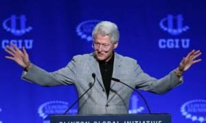 Αναγκαστική προσγείωση για το αεροπλάνο στο οποίο επέβαινε ο Μπιλ Κλίντον