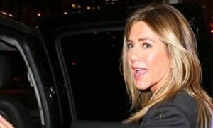 Jennifer εσύ; Η αμφιλεγόμενη εμφάνιση της Aniston που προκάλεσε πολλά ερωτηματικά