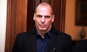 Βαρουφάκης: «Ούτε μια σπιθαμή από τις κόκκινες γραμμές το πολυνομοσχέδιο»