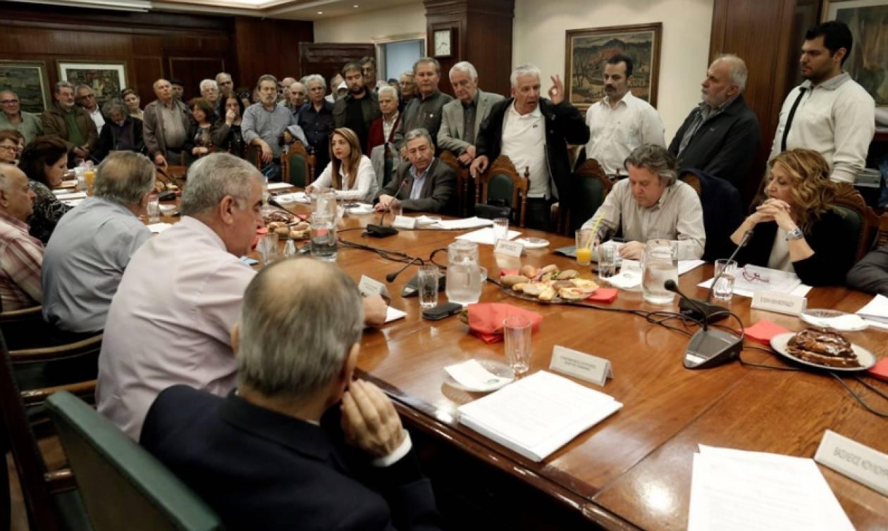 Διακοπή της συνεδρίασης του ΔΣ του ΙΚΑ λόγω εισβολής συνταξιούχων
