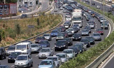 ΤΩΡΑ: Ουρές χιλιομέτρων στις Εθνικές Οδούς