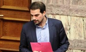 Σακελλαρίδης: Επαναφέρει την ενημέρωση των πολιτικών συντακτών