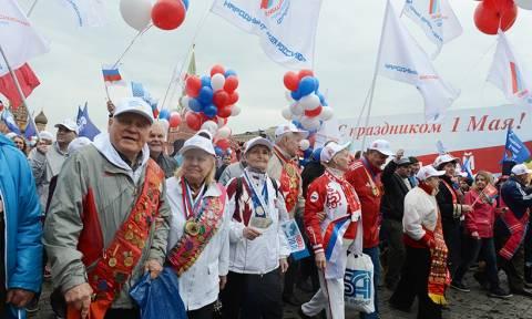 Ρωσία: 100.000 διαδηλωτές στην Κόκκινη Πλατεία για την Εργατική Πρωτομαγιά