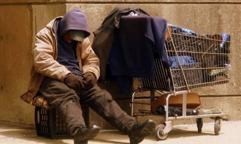 Άστεγος απολογήθηκε γιατί πρόσφερε μικρή δωρεά στην εκκλησία