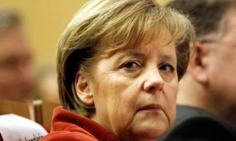 Η Μέρκελ λαμβάνει σοβαρά υπόψη τα τραύματα της Ελλάδας από τον Β' Παγκόσμιο