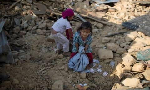 Σεισμός Νεπάλ: Ξεπέρασαν τους 7.000 οι νεκροί