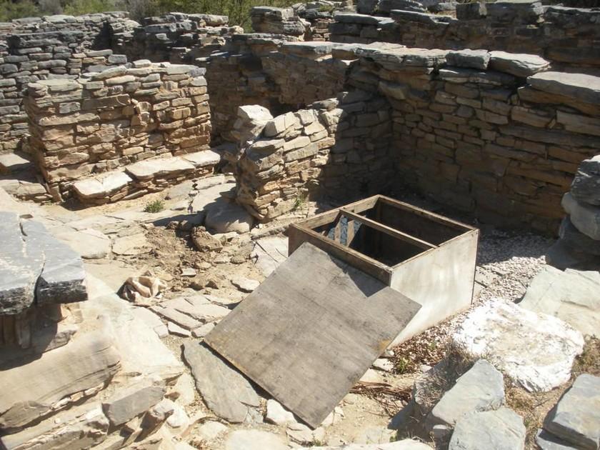 Εργασίες αποκατάστασης στην Αρχαία Ζώμινθο, μετά τους βανδαλισμούς