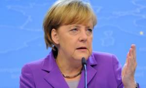 Μέρκελ: Οι Γερμανοί δεν ξεχνούν τις φρικαλεότητες των ναζί