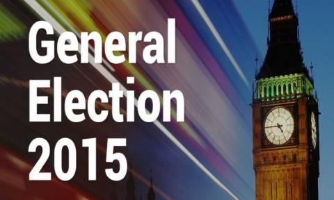Βρετανικές εκλογές: Μικρό προβάδισμα των Συντηρητικών σύμφωνα με νέα δημοσκόπηση