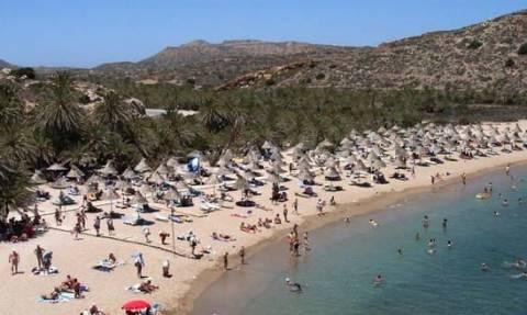 Κρήτη: Δείτε πόσα πλήρωσε ένα ζευγάρι για τις ξαπλώστρες της παραλίας! (pic)
