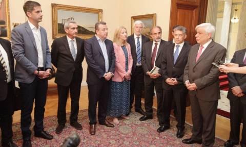 Παυλόπουλος: Η Πολιτεία εγγυάται την οικονομική αυτοτέλεια της Αυτοδιοίκησης