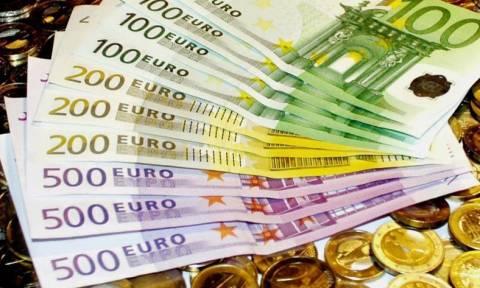 Κυβέρνηση προς επιχειρηματίες: Περάστε από το ταμείο
