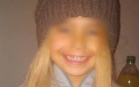 Ανατριχιαστικές φωτογραφίες: Η μικρή Άννυ στην αγκαλιά του πατέρα που την τεμάχισε